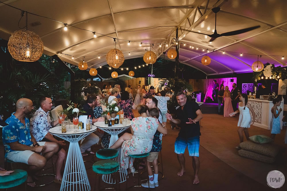 Read more about the article Affordable Beach Wedding Celebration